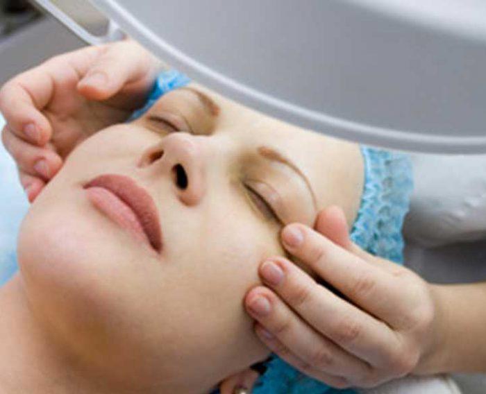 کربوکسی تراپی در مطب زیبایی دکتر رادا خانیان